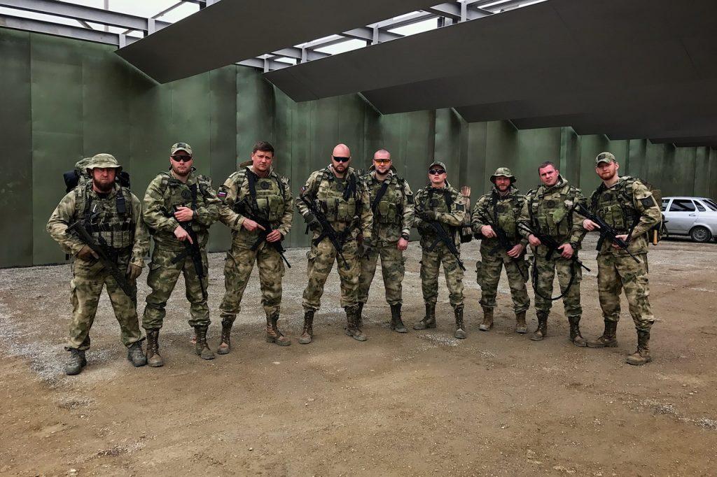 Сотрудники вооруженной личной охраны на ежегодных учениях в Международном учебном центре сил специального назначения «Российский Университет Спецназа».